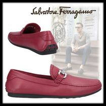 Salvatore Ferragamo Driving Shoes Plain Leather Loafers & Slip-ons