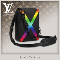 Louis Vuitton TAIGA Street Style 2WAY Chain Leather Messenger & Shoulder Bags