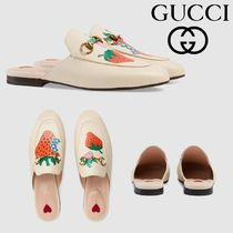 GUCCI Princetown Heart Plain Toe Casual Style Leather Block Heels Slippers