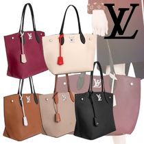 Louis Vuitton LOCKME A4 Plain Leather Elegant Style Totes