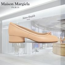 Maison Martin Margiela Tabi Plain Leather Kitten Heel Pumps & Mules