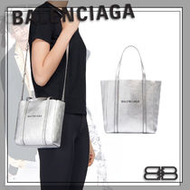BALENCIAGA EVERYDAY TOTE Casual Style Street Style 2WAY Leather Logo Totes