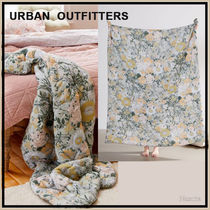 Urban Outfitters Flower Patterns Throws