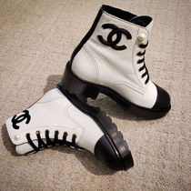 CHANEL Round Toe Lace-up Bi-color Leather Block Heels Elegant Style
