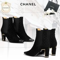 CHANEL Round Toe Leather Mid Heel Boots