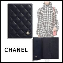 CHANEL MATELASSE 2019-20AW MATELASSE CLASSIC PASSPORT CASE navy blue cases
