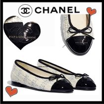CHANEL ICON Tweed Blended Fabrics Bi-color Plain Elegant Style Flats