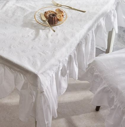 DECO VIEW Co-ord Tablecloths & Table Runners