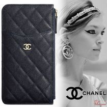 CHANEL Blended Fabrics Street Style Plain Leather Smart Phone Cases