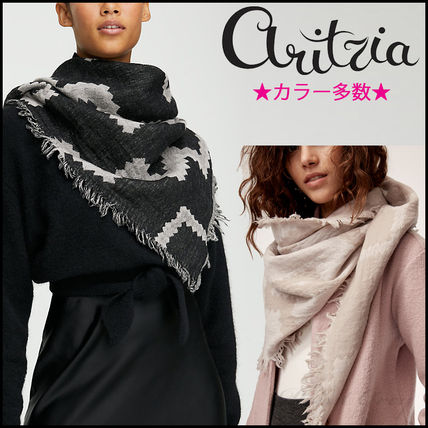 [Aritzia / Wilfred] Diamond Mosaic Triangle Scarf