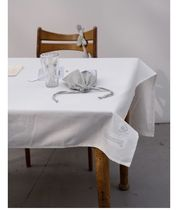 depound Tablecloths & Table Runners