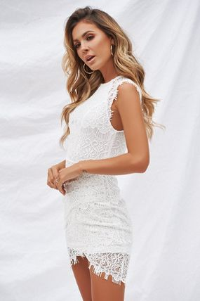 Crew Neck Short Tight Sleeveless Party Style Lace Dresses