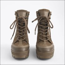 Uterque Combined Mountain Boots with Track Sole