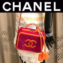 CHANEL MATELASSE Casual Style Calfskin Blended Fabrics Street Style