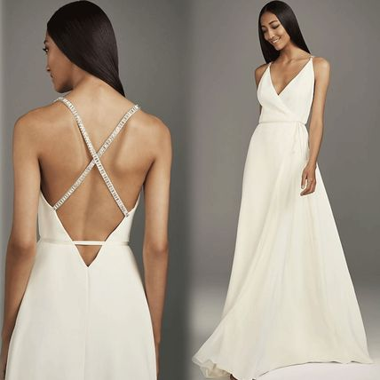 Sleeveless V-Neck Plain Long Wedding Dresses