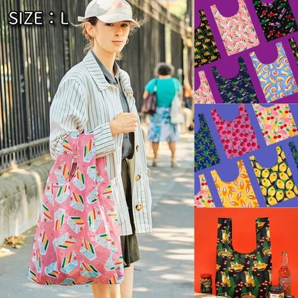 Flower Patterns Unisex Street Style Logo Shoppers
