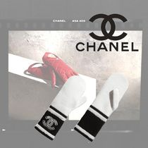 CHANEL Cashmere Gloves Gloves