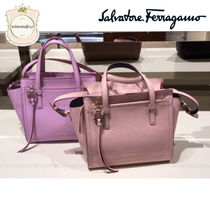 Salvatore Ferragamo Leather Elegant Style Shoulder Bags