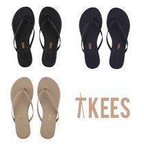 TKEES Open Toe Rubber Sole Casual Style Plain Leather Flip Flops