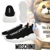 Moschino Round Toe Rubber Sole Unisex Low-Top Sneakers