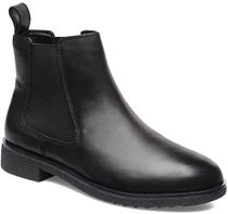 Clarks Plain Toe Leather Chelsea Boots Ankle & Booties Boots