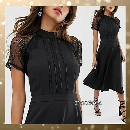 A-line Medium Short Sleeves High-Neck Lace Dresses