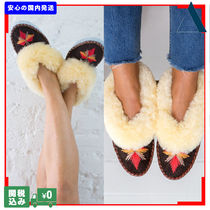 THE SMALL HOME Flower Patterns Sheepskin Plain Handmade Slippers Shoes