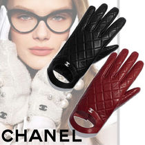 CHANEL Plain Leather Leather & Faux Leather Gloves