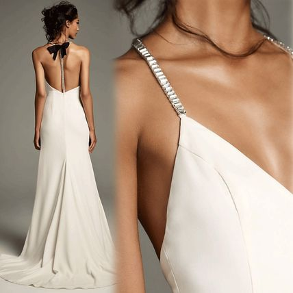 Chiffon Sleeveless Halter Neck Plain Long Wedding Dresses