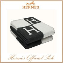 HERMES Throws