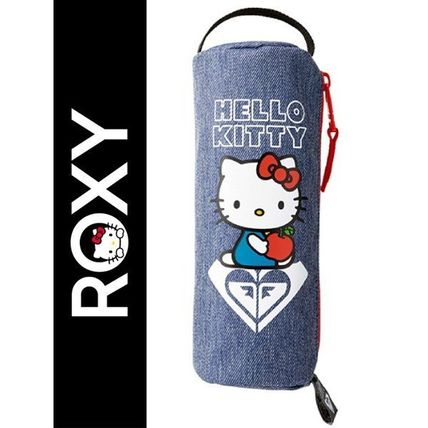 ROXY Heart Unisex Street Style Pouches & Cosmetic Bags