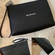 BALENCIAGA EVERYDAY TOTE Unisex Calfskin Street Style 2WAY Plain Leather Clutches