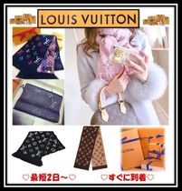 Louis Vuitton Monogram Unisex Wool Silk Logo Knit & Fur Scarves