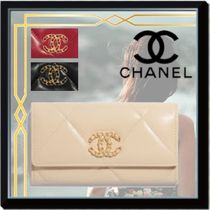 CHANEL ICON Blended Fabrics Street Style Plain Leather Long Wallets