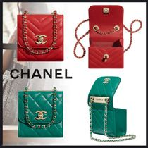 CHANEL MATELASSE Lambskin Chain Plain Party Style Elegant Style Clutches