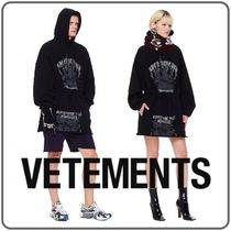 VETEMENTS Unisex Street Style Long Sleeves Cotton Medium