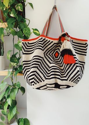 Casual Style Tassel A4 Handmade Totes