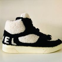 CHANEL Fur Bi-color Plain Logo Sneakers