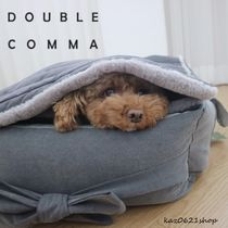 DOUBLE COMMA Blankets & Quilts