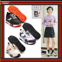 ROMANTIC CROWN Unisex Street Style Collaboration Sneakers
