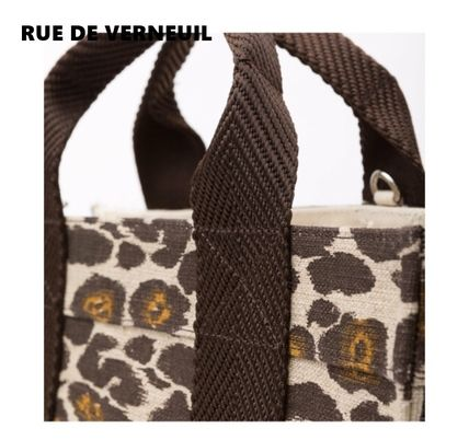 Casual Style Other Animal Patterns Elegant Style Totes