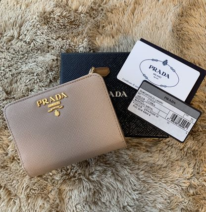 PRADA Folding Wallets Calfskin Plain Folding Wallets 3