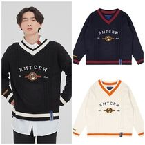 ROMANTIC CROWN Unisex Street Style V-Neck Long Sleeves Oversized Sweaters