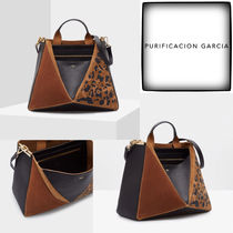 Purificacion Garcia Leopard Patterns Leather Office Style Elegant Style