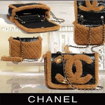 CHANEL Blended Fabrics Chain Crossbody Shearling Logo Shoulder Bags
