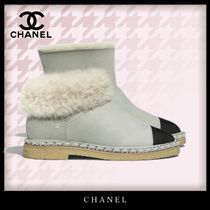 CHANEL Casual Style Bi-color Plain Leather Shearling Logo