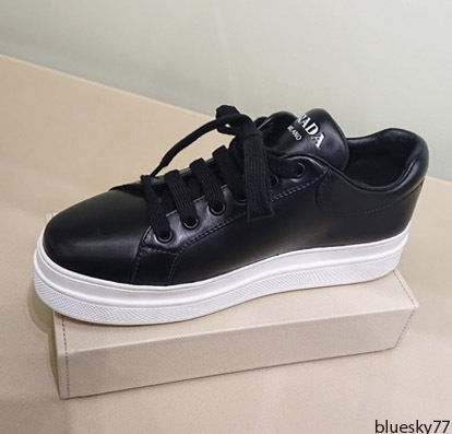 PRADA Low-Top Casual Style Unisex Plain Leather Low-Top Sneakers 2