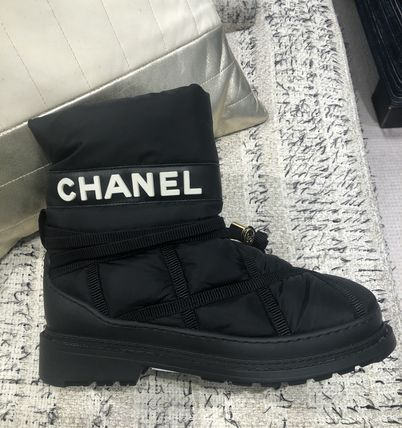 Shop CHANEL 2019-20FW Boots Boots by M