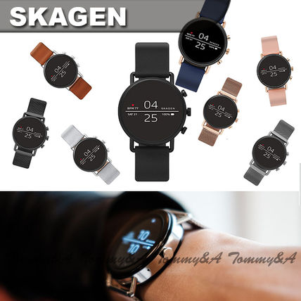 Casual Style Unisex Leather Silicon Round Digital Watches