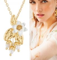 Les Nereides Flower Brass Necklaces & Pendants